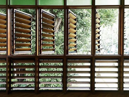 Residential Home uses Timber for Privacy & Shading