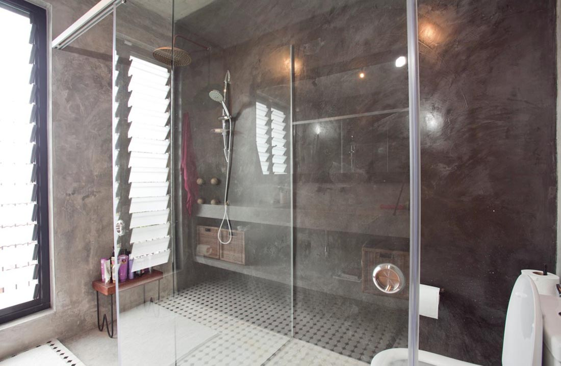 Breezway Louvre Windows help ventialate bathroom areas